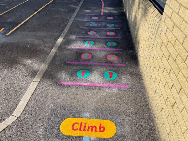 Hook-With-Warsash-C-of-E-Adventure-Trail-Playground-Marking (2)