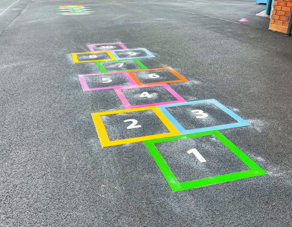 Outline-Hopscotch-Playground-Marking