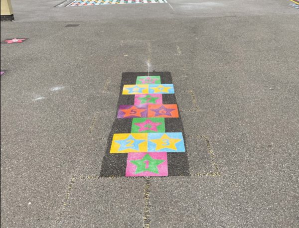 Purfleet-Primary-School-Star-Twin-Hopscotch-Playground-Marking (1)
